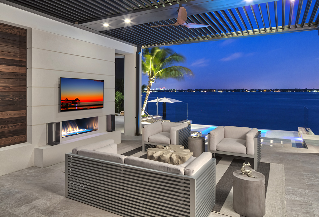 Outdoor living area Sarasota custom home