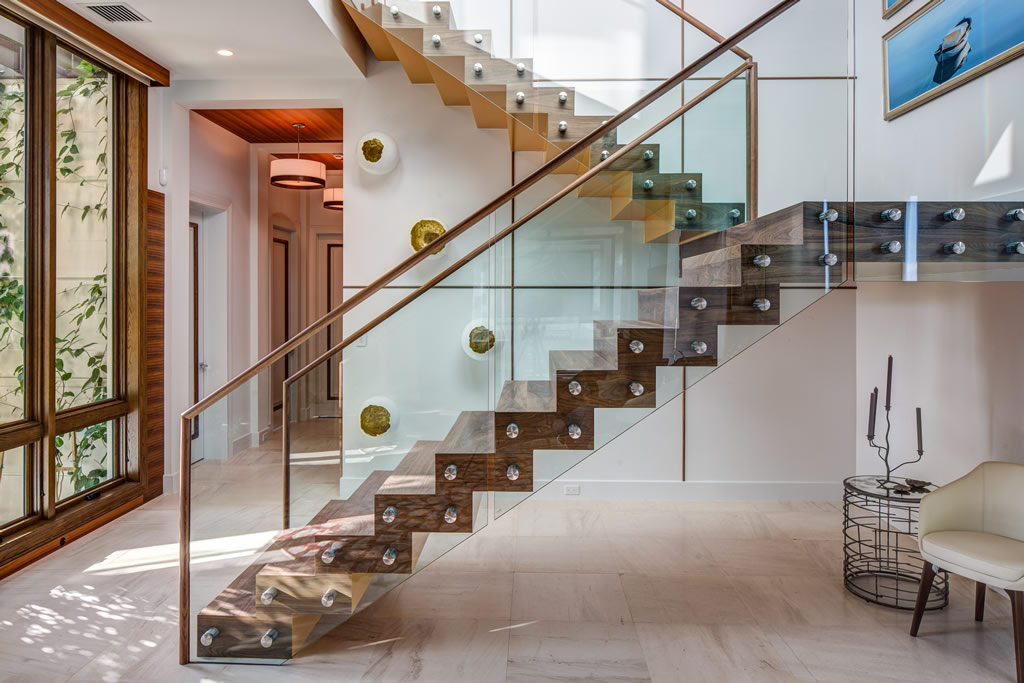 Modern Glass Stairs