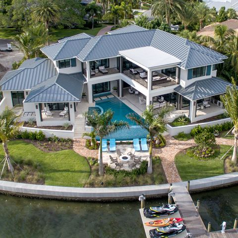 Waterfront Home On Bird Key
